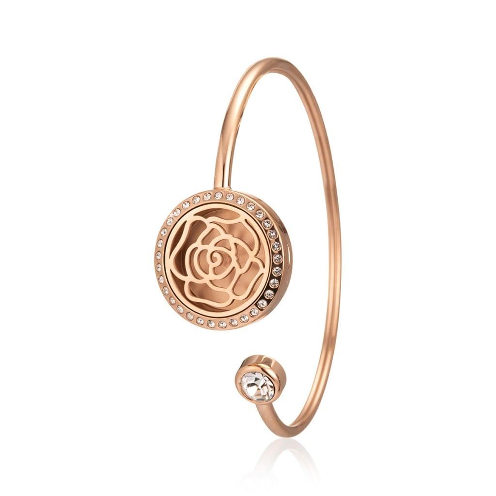 Jewellery photography, bracelet with aromatherapy slot.